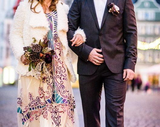 Hochzeitsfotograf Allgaeu Kempten Brautpaar Rathausplatz Kempten