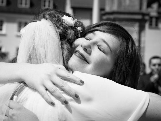 Hochzeitsfotograf Kempten Momente Umarmung